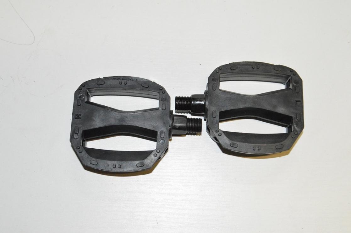 Педаль пластиковая детская резьба 1/2 тонкая подшипником JD-080, код 40105